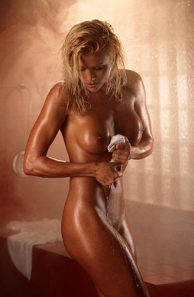 Big tits celebrities lisa dergan pictures and pics
